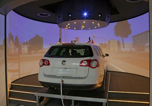 DLR - VR LAB - 360° Hi-res Zylinderprojektion Mit VW FASCar Zur Evaluation Von Fahrerassistenzsystemen - Auffahrrampe