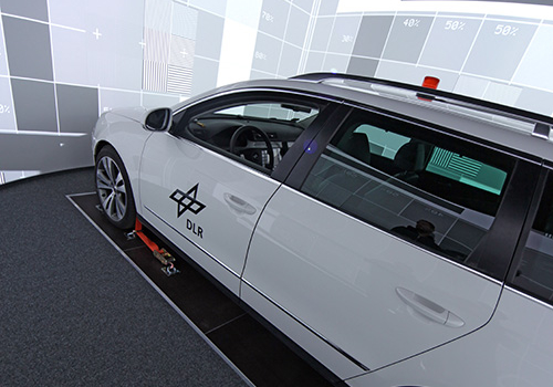 DLR - VR LAB - 360° Hi-res Zylinderprojektion Mit VW FASCar Zur Evaluation Von Fahrerassistenzsystemen - Während Kalibration