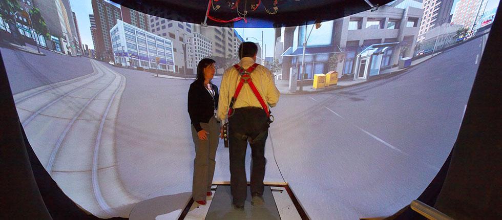 Toronto Institut Für Rehabilitation, IDAPT Centre For Rehabilitation, CEAL VR Hohlkehlenprojektion Mit Laufband