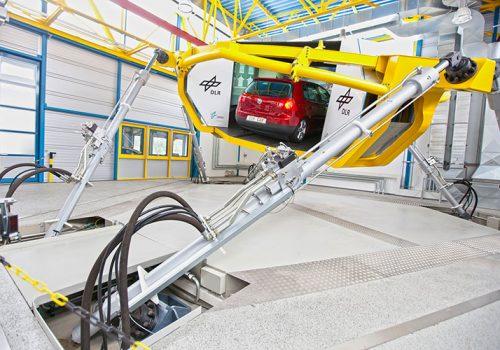 DLR Braunschweig - Dynamic Driving Simulator