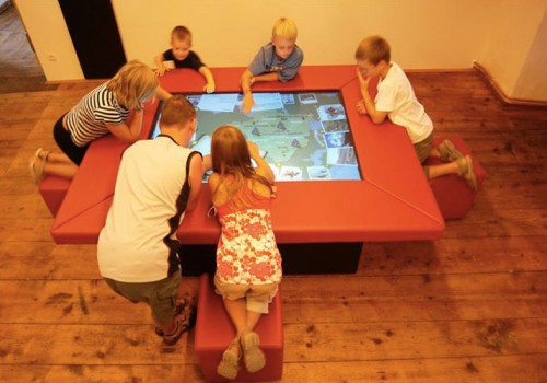 Multitouch-/Multiusertische – Besucherzentrum