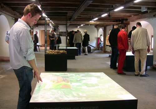 REGIONEUM Grottenhof - Interactive Touch Tables With Historical Presentations