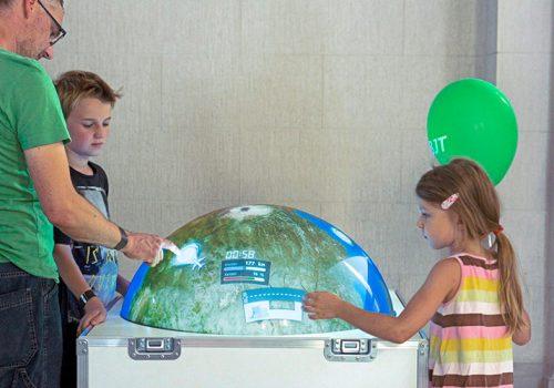 "Multitouchglobe For Travelling Exhibition INNOspaceExpo ""ALL.täglich!"" (courtesy Of CD Werbeagentur)"